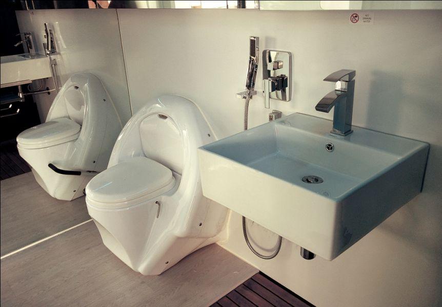 Autonomous Eco Container Cabin Bathroom